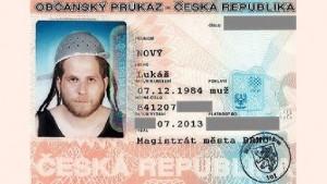 Polonia-oficializa-nova-religiao-fieis-veneram-macarrao-e-cerveja